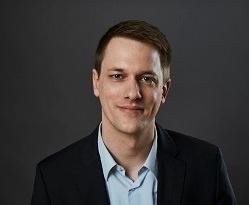 Dr. Lucas Bremer